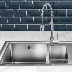 Kitchen Taps, Sinks & Splashbacks